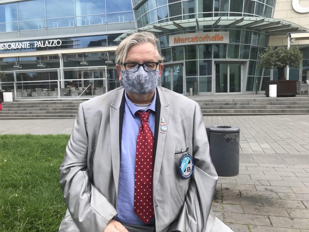 """NWO-Oberst """"M"""": Leiter der Chemtrailstaffen47; Foto: Peter Ansmann"""